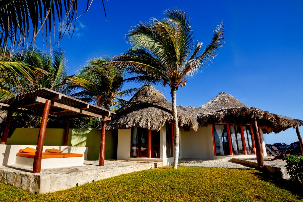 Barefoot Luxury spa and retreat center with ocean view in Mexico Mayatulum